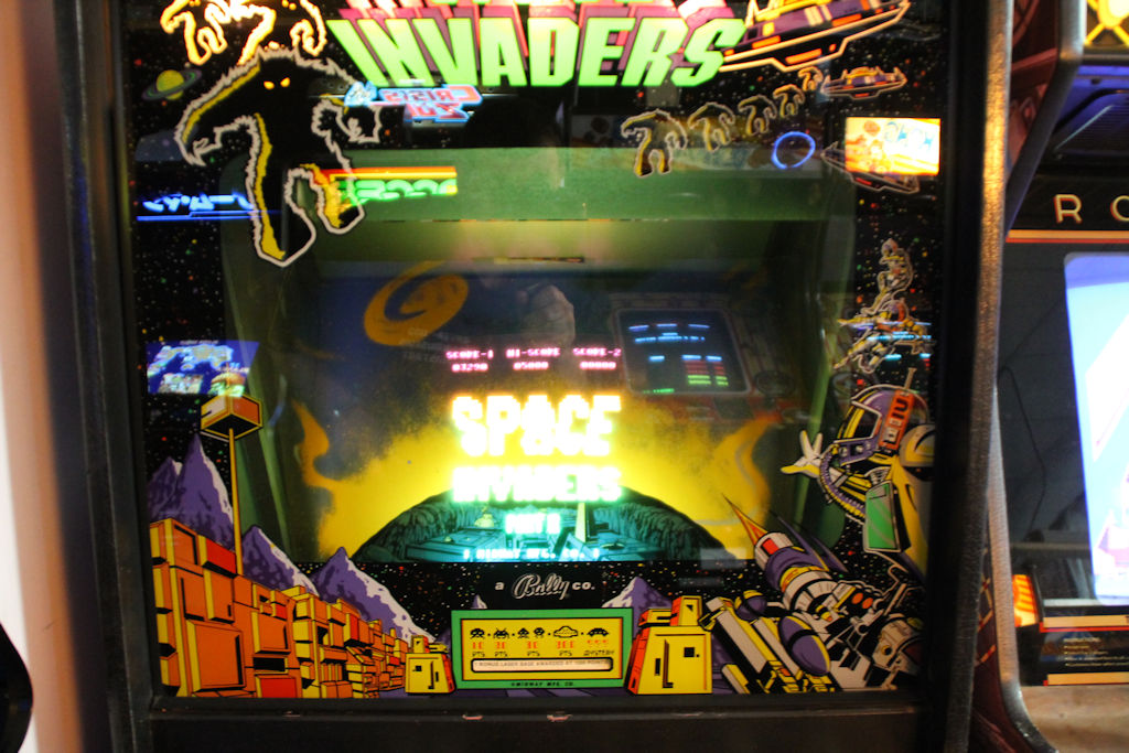 BILD: SPACE INVADERS VIDEOSPIELAUTOMAT